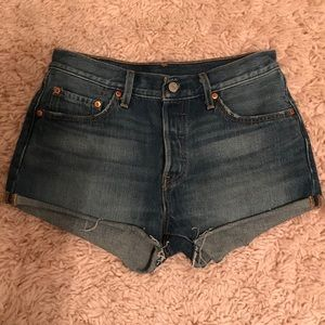 Levi's 501 High Waisted Jean Shorts Size 28